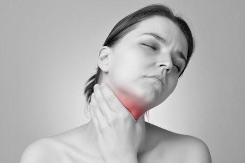 Mulher com hipotireoidismo
