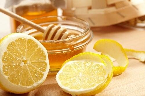 3 remédios com limão para combater o ácido úrico