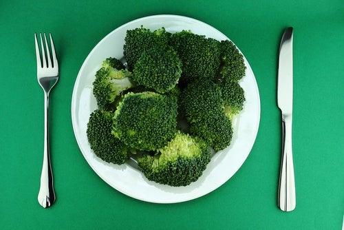 Qual-e-a-forma-ideal-de-comer-brócoli-al-vapor-500x334