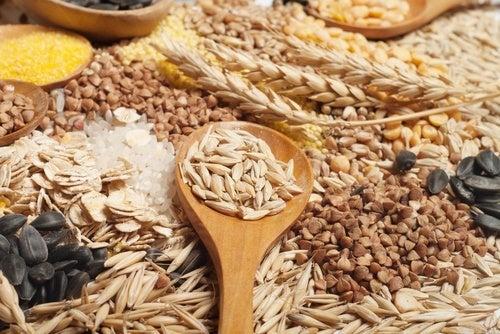 cereais integrais para um café da manhã saudável
