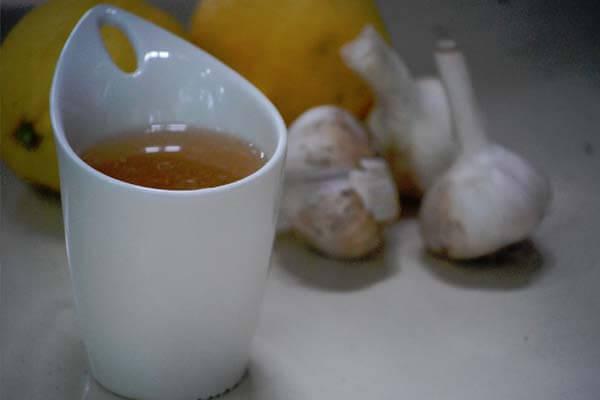 chá de alho para tratar a hipertensão