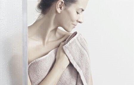 5 erros que cometemos na hora de tomar banho
