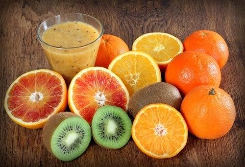 Frutas essenciais para fazer suas vitaminas ricas em proteínas