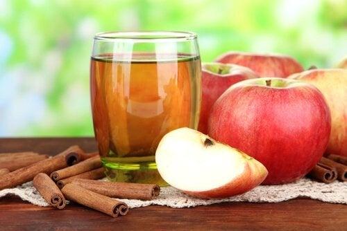 Suco de maçã e canela ajuda a melhorar a função do fígado