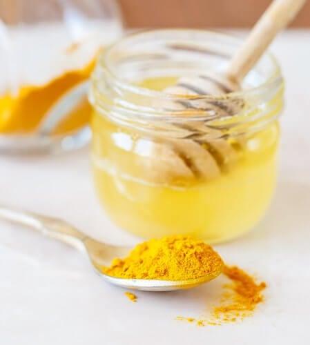 Como-preparar-o-açafrao-com-mel-de-abelhas