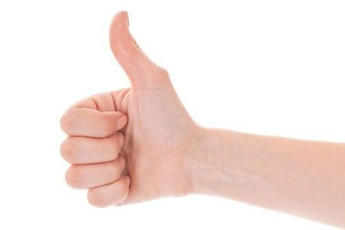 combater artrite com exercícios para as mãos