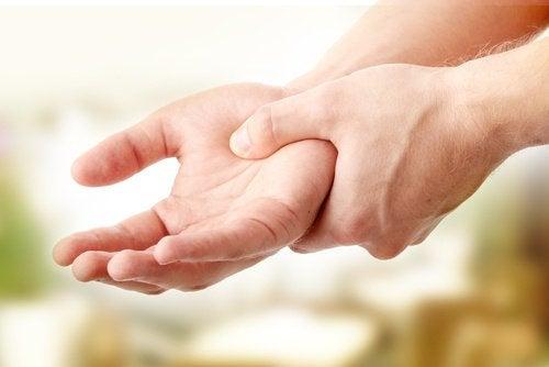exercícios para as mãos  preventivo contra artrite