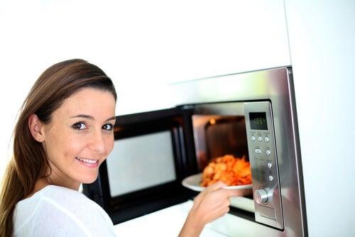 7 alimentos que não devem ser reaquecidos. Você poderia ficar doente!