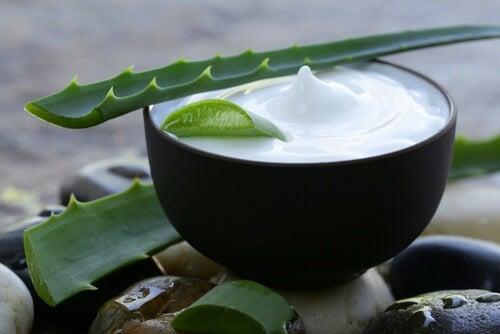 Os três melhores xampus herbais para revitalizar o cabelo