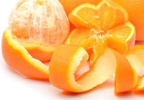 Cascas de laranja para eliminar formigas