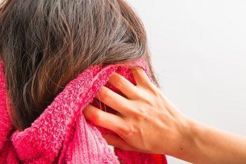 10 dicas caseiras para favorecer o crescimento dos cabelos