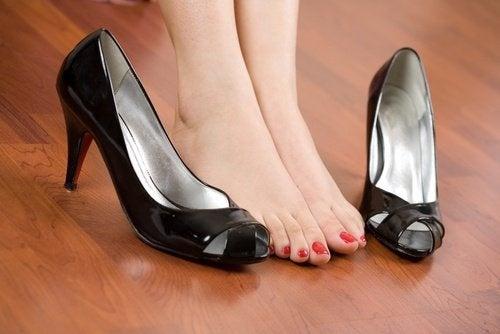 Diga adeus à dor nos pés por causa dos sapatos
