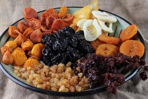 Frutas secas fortalecem os ossos e combatem o cansaço
