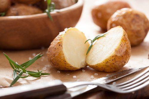 Batatas para obter iodo
