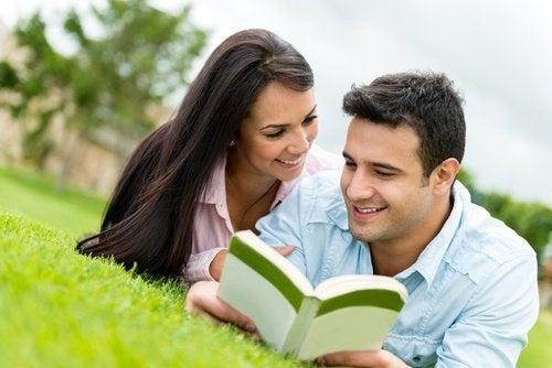 Ler-juntos-um-livro-500x334