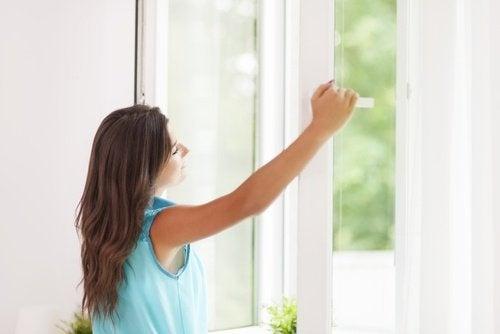 Deixar entrar luz natural para encher sua casa de energias positivas