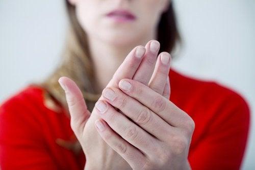 Por que nossas mãos ficam frias durante todo o ano?