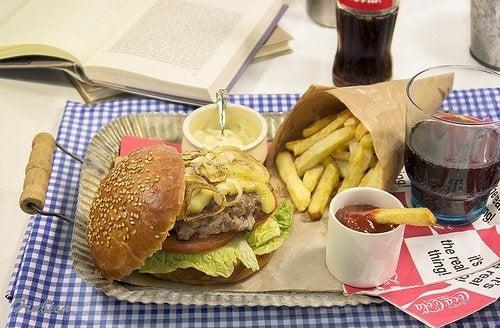Alimentos com gordura ou o açúcar