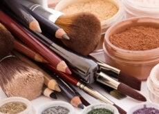 Cuidado! 10 produtos de beleza que nunca devem ser compartilhados!