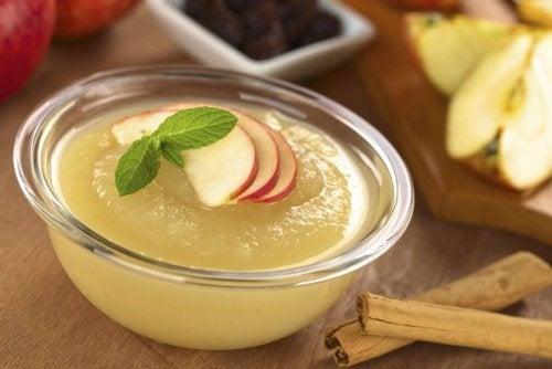 Compota de maçã como sobremesa