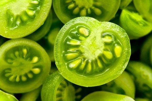 Tomate verde para tratar as varizes
