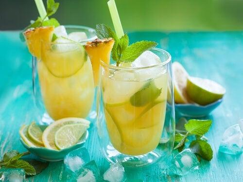 Como preparar a água de abacaxi