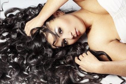 Bebidas naturais que reduzem a queda de cabelo