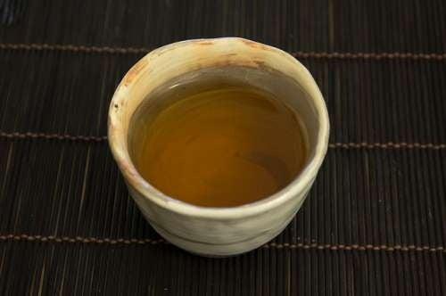 chá-verde e chá-vermelho para digestão de alimentos gordurosos