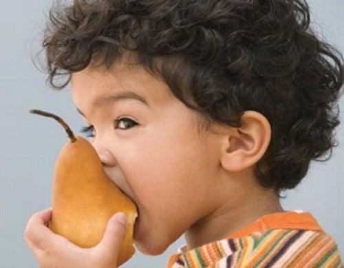 Benefícios de consumir pera