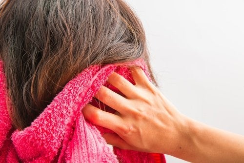 Cuidados com os cabelos antes de dormir