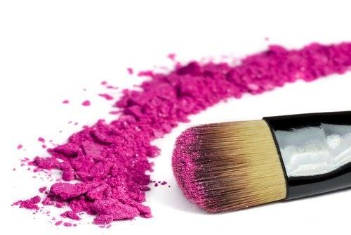 Pincel e esponja é um dos produtos de beleza que não devemos compartilhar nunca