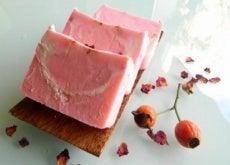 Sabonete de rosa mosqueta e babosa