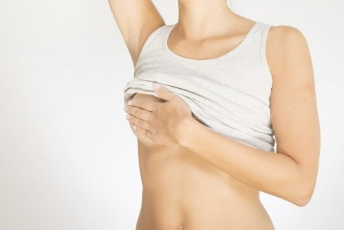 Alteração no tamanho dos seios pode ser câncer de mama