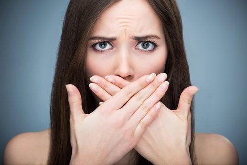 Elimine o mau hálito de maneira definitiva