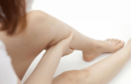 Caimbras-nas-pernas-e-dor-nervo-ciatico