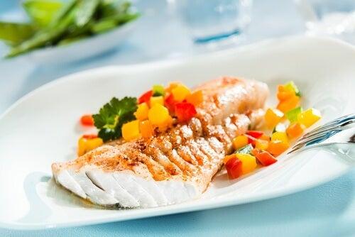 O peixe faz parte das dietas ideias para perder peso