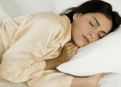 Os 8 melhores alimentos para dormir tranquilamente