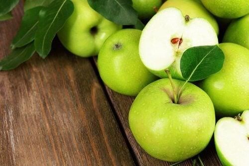 suco de melão, maçã verde e pepino