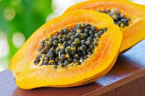 Vitamina-de-mamão-papaia-e-gengibre