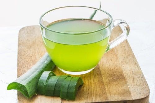 Suco de aloe vera para refluxo gastroesofágico