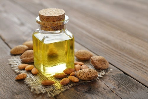 Oleo-de-amendoas-para-os-clios