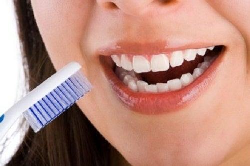 Dentes-sensiveis-500x333