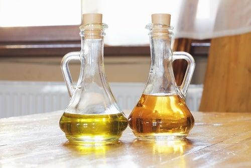 Vinagre e azeite são uma solução para arranhões nos móveis de madeira
