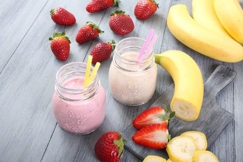 Vitaminas de morango e banana