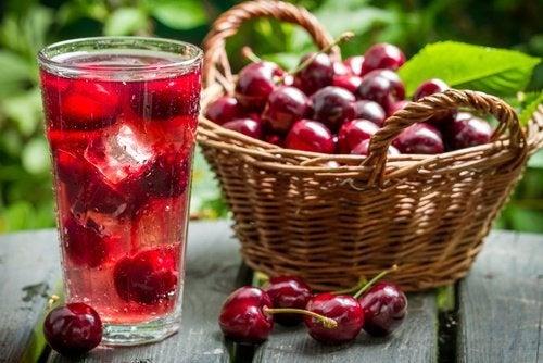 A cereja é uma das frutas para aliviar os sintomas da gastrite