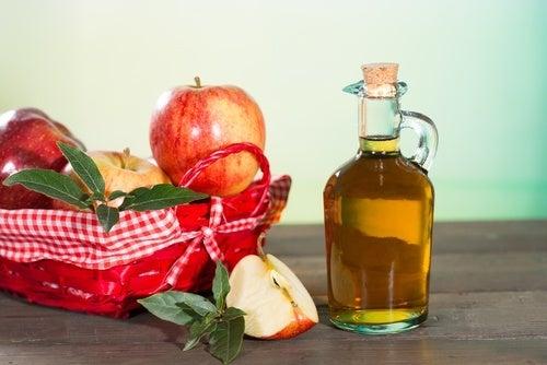 Vinagre de maçã para tratar os fungos da pele