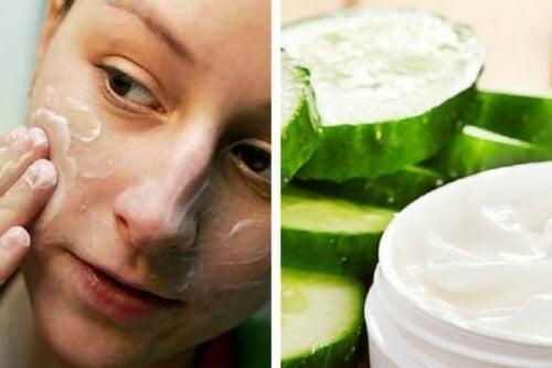 Como preparar um creme de limpeza de pepino