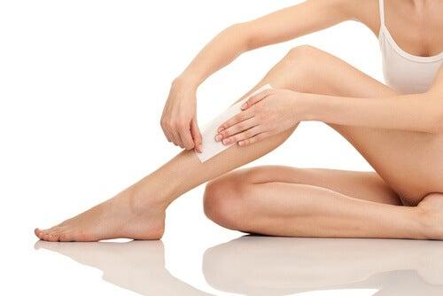 Cuidado no momento da depilação das pernas