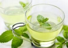 Descubra por que devemos tomar chá de menta depois de comer