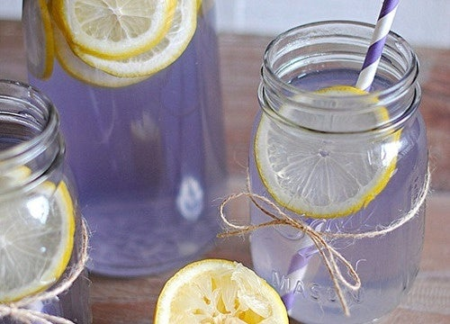Limonada de lavanda para dor de cabeça e ansiedade